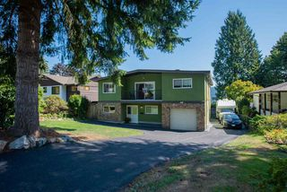 Photo 2: 426 FAIRWAY Drive in North Vancouver: Dollarton House for sale : MLS®# R2403915