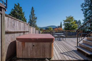 Photo 18: 426 FAIRWAY Drive in North Vancouver: Dollarton House for sale : MLS®# R2403915