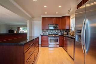Photo 5: 426 FAIRWAY Drive in North Vancouver: Dollarton House for sale : MLS®# R2403915