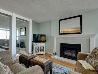 Photo 3: 204 640 Montreal St in Victoria: Vi James Bay Condo for sale : MLS®# 839783