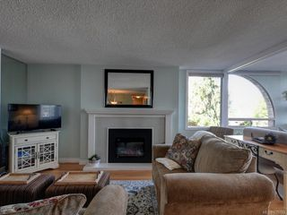Photo 6: 204 640 Montreal St in Victoria: Vi James Bay Condo for sale : MLS®# 839783
