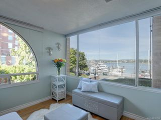 Photo 1: 204 640 Montreal St in Victoria: Vi James Bay Condo for sale : MLS®# 839783