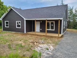 Photo 1: 14 McIntyre Drive in East Lawrencetown: 31-Lawrencetown, Lake Echo, Porters Lake Residential for sale (Halifax-Dartmouth)  : MLS®# 202014326
