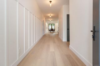Photo 2: 2631 Margate Ave in : OB South Oak Bay House for sale (Oak Bay)  : MLS®# 856624