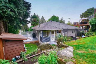 Photo 3: 1681 BRUNETTE Avenue in Coquitlam: Central Coquitlam House for sale : MLS®# R2508361