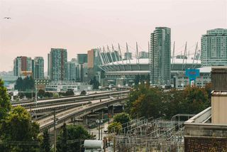 """Photo 18: 702 718 MAIN Street in Vancouver: Strathcona Condo for sale in """"Ginger"""" (Vancouver East)  : MLS®# R2525569"""
