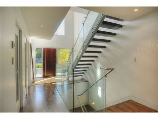 """Photo 6: 3921 W 12TH Avenue in Vancouver: Point Grey House for sale in """"POINT GREY"""" (Vancouver West)  : MLS®# V924833"""
