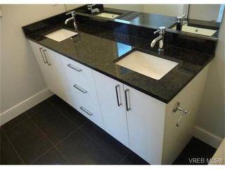 Photo 6: 119 St. Lawrence Street in VICTORIA: Vi James Bay Strata Duplex Unit for sale (Victoria)  : MLS®# 331823