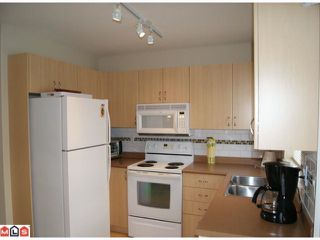 """Photo 5: 13 5255  201A ST in Langley: Langley City Townhouse for sale in """"Kensington Court"""" : MLS®# F1128048"""