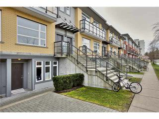 "Photo 1: 106 5568 KINGS Road in Vancouver: University VW Townhouse for sale in ""GALLERIA"" (Vancouver West)  : MLS®# V1109797"