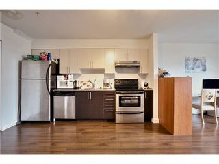 "Photo 10: 106 5568 KINGS Road in Vancouver: University VW Townhouse for sale in ""GALLERIA"" (Vancouver West)  : MLS®# V1109797"