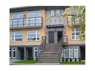 "Photo 2: 106 5568 KINGS Road in Vancouver: University VW Townhouse for sale in ""GALLERIA"" (Vancouver West)  : MLS®# V1109797"