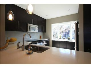 "Photo 3: 1337 W 8TH Avenue in Vancouver: Fairview VW Townhouse for sale in ""FAIRVIEW VILLAGE"" (Vancouver West)  : MLS®# V1114051"