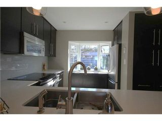 "Photo 4: 1337 W 8TH Avenue in Vancouver: Fairview VW Townhouse for sale in ""FAIRVIEW VILLAGE"" (Vancouver West)  : MLS®# V1114051"