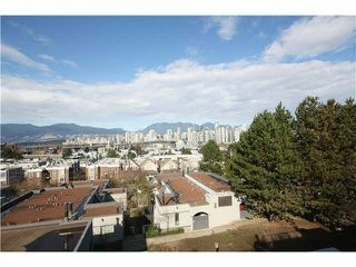 "Photo 15: 1337 W 8TH Avenue in Vancouver: Fairview VW Townhouse for sale in ""FAIRVIEW VILLAGE"" (Vancouver West)  : MLS®# V1114051"