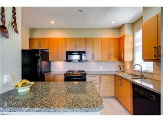 """Photo 6: 201 188 W 29TH Street in North Vancouver: Upper Lonsdale Condo for sale in """"VISTA 29"""" : MLS®# V1129015"""