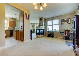 """Photo 2: 201 188 W 29TH Street in North Vancouver: Upper Lonsdale Condo for sale in """"VISTA 29"""" : MLS®# V1129015"""