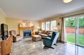 """Photo 7: 6880 181 Street in Surrey: Cloverdale BC House for sale in """"CLOVERWOODS"""" (Cloverdale)  : MLS®# R2001662"""