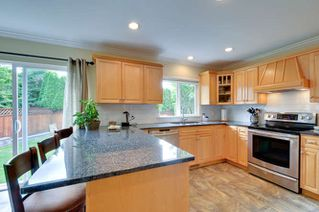 """Photo 6: 6880 181 Street in Surrey: Cloverdale BC House for sale in """"CLOVERWOODS"""" (Cloverdale)  : MLS®# R2001662"""