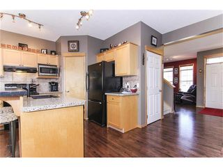 Photo 12: 381 ELGIN Way SE in Calgary: McKenzie Towne House for sale : MLS®# C4036653