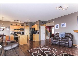 Photo 11: 381 ELGIN Way SE in Calgary: McKenzie Towne House for sale : MLS®# C4036653