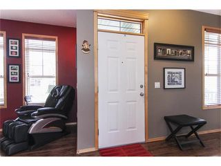 Photo 3: 381 ELGIN Way SE in Calgary: McKenzie Towne House for sale : MLS®# C4036653