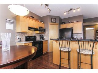 Photo 15: 381 ELGIN Way SE in Calgary: McKenzie Towne House for sale : MLS®# C4036653