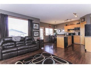 Photo 10: 381 ELGIN Way SE in Calgary: McKenzie Towne House for sale : MLS®# C4036653