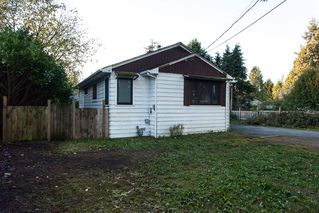 "Photo 2: 3745 208 Street in Langley: Brookswood Langley House for sale in ""Brookswood"" : MLS®# R2013871"