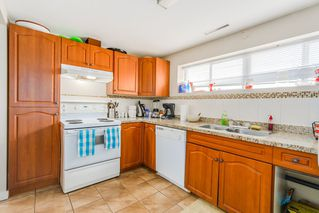 """Photo 15: 7664 KNIGHT Street in Vancouver: Fraserview VE House for sale in """"FRASERVIEW"""" (Vancouver East)  : MLS®# R2027189"""