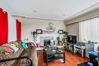 """Photo 2: 7664 KNIGHT Street in Vancouver: Fraserview VE House for sale in """"FRASERVIEW"""" (Vancouver East)  : MLS®# R2027189"""