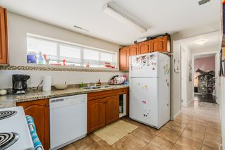"""Photo 16: 7664 KNIGHT Street in Vancouver: Fraserview VE House for sale in """"FRASERVIEW"""" (Vancouver East)  : MLS®# R2027189"""