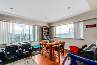 """Photo 3: 7664 KNIGHT Street in Vancouver: Fraserview VE House for sale in """"FRASERVIEW"""" (Vancouver East)  : MLS®# R2027189"""