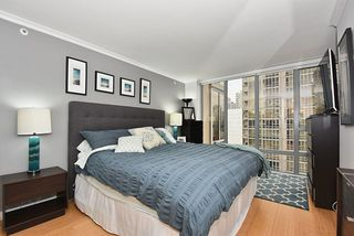 "Photo 10: 1307 950 CAMBIE Street in Vancouver: Yaletown Condo for sale in ""PACIFIC PLACE LANDMARK 1"" (Vancouver West)  : MLS®# R2028086"