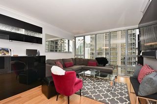 "Photo 2: 1307 950 CAMBIE Street in Vancouver: Yaletown Condo for sale in ""PACIFIC PLACE LANDMARK 1"" (Vancouver West)  : MLS®# R2028086"