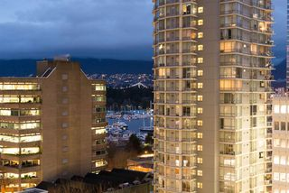 "Photo 12: 901 1189 MELVILLE Street in Vancouver: Coal Harbour Condo for sale in ""COAL HARBOUR"" (Vancouver West)  : MLS®# R2125909"