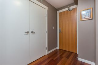"""Photo 6: 901 1189 MELVILLE Street in Vancouver: Coal Harbour Condo for sale in """"COAL HARBOUR"""" (Vancouver West)  : MLS®# R2125909"""