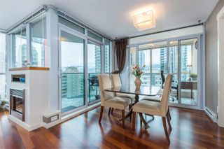 "Photo 1: 901 1189 MELVILLE Street in Vancouver: Coal Harbour Condo for sale in ""COAL HARBOUR"" (Vancouver West)  : MLS®# R2125909"