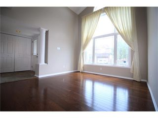 Photo 3: 103 YORKBERRY GATE in : Hunt Club/Western Community Residential for rent : MLS®# 1022033