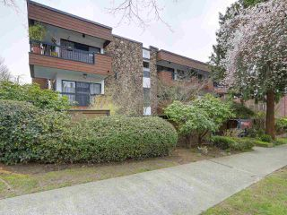 "Photo 1: 304 1484 CHARLES Street in Vancouver: Grandview VE Condo for sale in ""LANDMARK ARMS"" (Vancouver East)  : MLS®# R2153158"