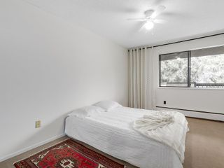"Photo 12: 304 1484 CHARLES Street in Vancouver: Grandview VE Condo for sale in ""LANDMARK ARMS"" (Vancouver East)  : MLS®# R2153158"