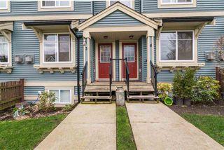 "Photo 3: 3 6635 192 Street in Surrey: Clayton Townhouse for sale in ""LEAFSIDE LANE"" (Cloverdale)  : MLS®# R2167196"