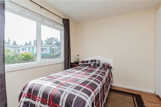 Photo 11: 18 124 Cooper Road in VICTORIA: VR Glentana Manu Double-Wide for sale (View Royal)  : MLS®# 382476