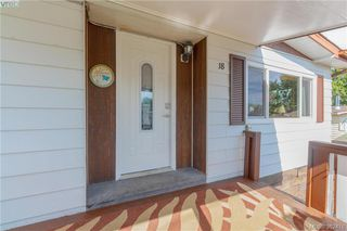 Photo 2: 18 124 Cooper Road in VICTORIA: VR Glentana Manu Double-Wide for sale (View Royal)  : MLS®# 382476