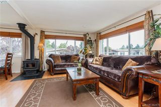 Photo 4: 18 124 Cooper Road in VICTORIA: VR Glentana Manu Double-Wide for sale (View Royal)  : MLS®# 382476