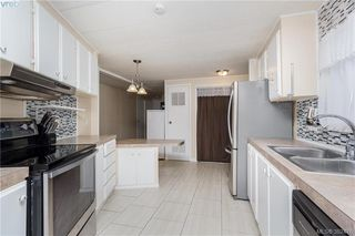 Photo 8: 18 124 Cooper Rd in VICTORIA: VR Glentana Manufactured Home for sale (View Royal)  : MLS®# 768456