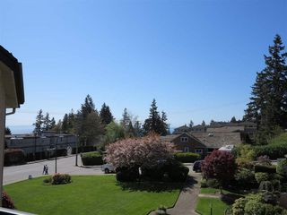 Photo 4: 302 14957 THRIFT AVENUE in South Surrey White Rock: Home for sale : MLS®# R2068236