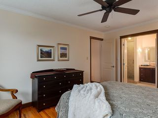 Photo 21: 32 COACH SIDE Place SW in Calgary: Coach Hill House for sale : MLS®# C4140618