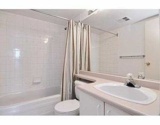 """Photo 4: 504 55 TENTH Street in New Westminster: Downtown NW Condo for sale in """"WESTMINSTER TOWERS"""" : MLS®# R2248585"""