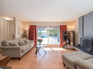 Photo 6: 6912 SILVERVIEW Road NW in Calgary: Silver Springs House for sale : MLS®# C4173709